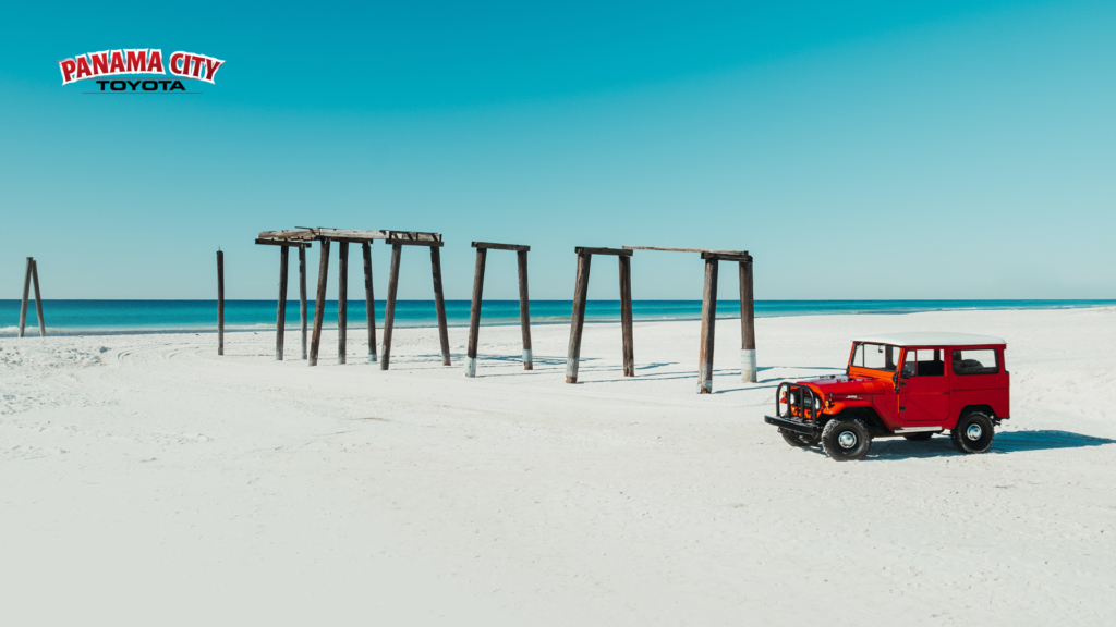 Zoom beach rover background image for Panama City Toyota.